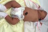 Bé gái 5,2 kg chào đời khoẻ mạnh