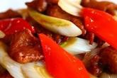 Thắc mắc muôn thuở khiến nhiều người làm sai: Món bò xào, xào thịt trước hay xào rau củ trước?