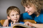 Cách đọc sách cho bé dưới 2 tuổi