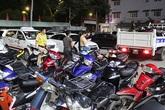 200 xe máy 'đi bão' mừng bóng đá bị tạm giữ