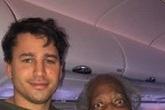 Nhường ghế thương gia cho cụ bà 88 tuổi, thanh niên bất ngờ nổi tiếng