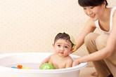 Tắm thế nào tốt cho trẻ sơ sinh?