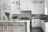 Căn bếp đen - trắng vừa đẹp vừa sang lại luôn gọn gàng ngăn nắp