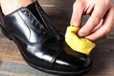 Giày da đi cả năm sờn cũ, hãy sử dụng mẹo này để nó sáng bóng trở lại mà không phải tốn tiền mua giày mới