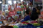 Thủ phủ bánh kẹo ngoại giữa Hà Nội nhộn nhịp đón Tết