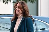 Hình ảnh mới nhất của Công nương Kate: Ngoại hình đặc biệt gây chú ý lấn át luôn cả chuyện xấu trong gia đình hoàng gia Anh