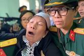 Người thân khóc ngất trong lễ truy điệu 13 cán bộ, chiến sĩ hy sinh ở Rào Trăng 3