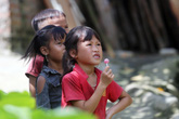 Phấn đấu đến năm 2025 đạt tỉ số giới tính khi sinh dưới 109 bé trai/100 bé gái
