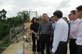 Chùm ảnh khẩn trương sửa chữa cầu chợ Chùa - nơi xảy ra vụ tai nạn khiến 5 người tử vong