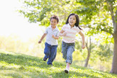 Muốn tăng cường hệ miễn dịch cho con mùa COVID, cha mẹ cần bổ sung chất gì và cho trẻ ăn gì?