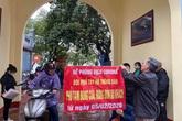 Hà Nội: Chùa Trấn Quốc, phủ Tây Hồ vẫn có nhiều du khách dù thông báo đóng cửa