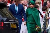 Cay mắt khoảnh khắc Harry nắm chặt tay Meghan Markle rời khỏi hoàng gia Anh hoàn thành nhiệm vụ cuối cùng
