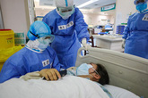 Buộc bệnh nhân trả tiền xét nghiệm có thể cản trở chống virus corona