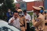 """Hà Nội: Tài xế vi phạm nồng độ cồn mức """"khủng"""" gây tai nạn giữa phố đông"""