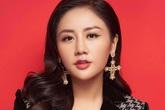 Ca sĩ Văn Mai Hương tặng 500 bộ quần áo chống dịch và khẩu trang y tế