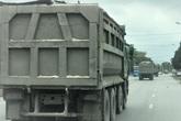 """Quảng Ninh: Cận cảnh đoàn xe """"hổ vồ"""" cơi nới khoang thùng chở đất đá tung hoành trên QL 18"""
