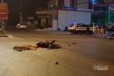 Tông vào xe ô tô 2 thiếu niên tử vong