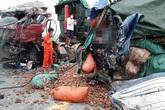 Nghệ An: Tai nạn giữa 2 xe tải khiến 2 người tử vong