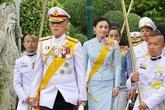 Vua Thái Lan cùng 20 thê thiếp tự thuê khách sạn hạng sang cách ly ở Đức