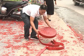 Triệu tập một số người để điều tra vụ đốt pháo trong đám cưới ở Sóc Sơn