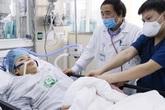 """'Linh tính"""" nào khiến bác sĩ Bệnh viện Bạch Mai quyết dốc sức cứu sản phụ trẻ 2 lần ngừng tim?"""