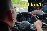 Xác minh thanh niên khoe chiến tích lao ô tô như tên bắn trên cao tốc