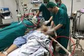 """Ca mổ """"cân não"""" cứu người đàn ông bị cọc sắt dài 2m đâm xuyên ngực, bụng"""