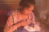 Kết hôn 5 năm, đôi vợ chồng người Tày mới sinh được cô con gái nhỏ thì lại không có hậu môn