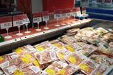 """Nhiều bà nội trợ buộc phải """"loại"""" thịt lợn khỏi bữa cơm"""