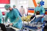 Hơn 17.000 y bác sĩ Italy mắc COVID-19, chủ yếu là phụ nữ