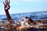 Nghệ An: Kịp thời cứu 2 thiếu nữ đuối nước khi tắm biển ở Cửa Lò