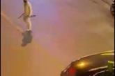 2 người bị chém nhập viện sau va chạm giao thông
