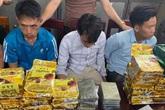 Nghệ An: Bắt 3 đối tượng khi đang vận chuyển 20 bánh heroin