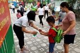 Hà Nội: Cô trò đều vui trong ngày hàng triệu học sinh mầm non, tiểu học đi học trở lại