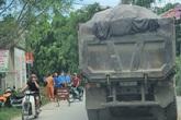 """Xe quá tải, xe cơi nới chạy như """"trẩy hội"""" phục vụ dự án trọng điểm huyện Thường Tín (Hà Nội)"""