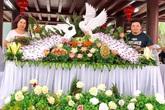 Nhà gái lóa mắt, trầm trồ trước bộ hoa cưới tỉa bằng rau củ siêu đẹp