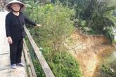 Đức Thọ (Hà Tĩnh): Người dân bất an phải sống dưới chân cầu treo sạt lở nghiêm trọng
