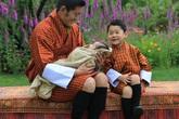 Hoàng tử Bhutan ra đồng làm ruộng, không được sinh nhật tới 20 tuổi