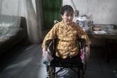 Người phụ nữ đơn thân cụt mất hai chân vì tai nạn ước mong có được một chiếc xe lăn