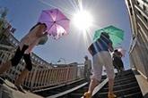 Miền Bắc nóng thế nào trong đợt nắng gay gắt này?