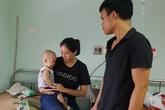 Cháu bé 1 tuổi bị ung thư bàng quang đứng trước nguy cơ dừng sự sống do bố mẹ nghèo túng
