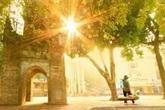 Hà Nội đón đợt nắng nóng đặc biệt gay gắt, nhiệt độ lên tới 39 độ C