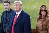 Bà Melania chỉ trích MC nhắc tới Barron Trump