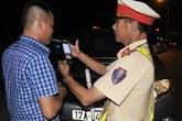 Nghệ An: Nể bạn uống 1 chén rượu bị tước bằng lái xe gần 1 năm