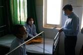 Quyền Bộ trưởng Bộ Y tế thăm bệnh nhân bạch hầu ở Tây Nguyên