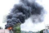 Hải Phòng: Hiện trường vụ cháy xe bồn chở xăng làm 1 người bị thương