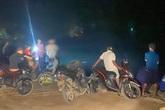 Hà Tĩnh: Xuyên đêm tìm kiếm 2 cháu bé mất tích trên sông