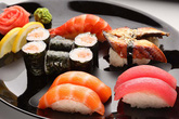 Sự thật tàn khốc đằng sau miếng sushi cá ngừ, biết rồi nhiều người sẽ phải đắn đo trước khi ăn