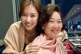 Hari Won làm sinh nhật cho mẹ chồng
