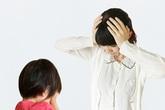 3 tác hại của việc thay quần áo trước mặt con